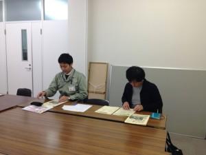 左より、菱井(事務局)、枡谷(八尾バル実行委員会)